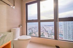 A bathroom at Sol Beach Apartments Nha Trang