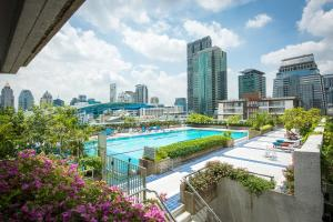 A view of the pool at Trinity Silom Hotel or nearby