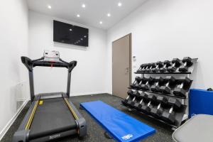 The fitness centre and/or fitness facilities at BO Hotel Palazzo