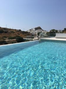 The swimming pool at or close to Ios Sea View