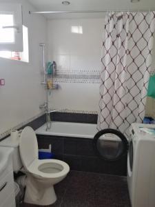 A bathroom at Дом для семейного отдыха или дружной компании