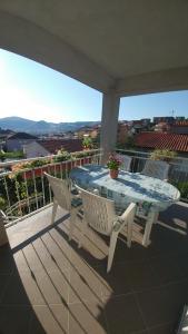 A balcony or terrace at Apartment Tina