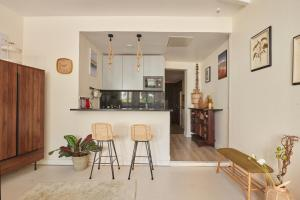 A kitchen or kitchenette at Sanctuary homes by the Forest