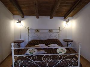 A bed or beds in a room at B&B Villa San Marco
