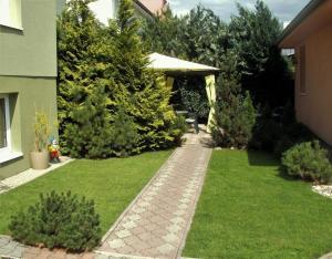 Vonkajšia záhrada v ubytovaní Penzión Tiberia