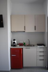 Η κουζίνα ή μικρή κουζίνα στο Yiasemi