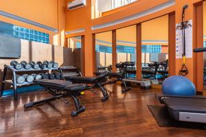 The fitness center and/or fitness facilities at Novotel St Petersburg Centre