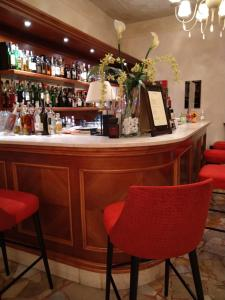 The lounge or bar area at Hotel Eden Salò