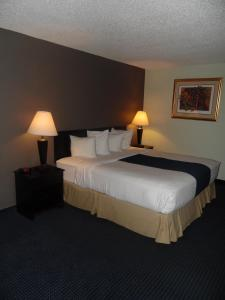 A bed or beds in a room at 1Hotel