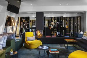 The lounge or bar area at W Amsterdam