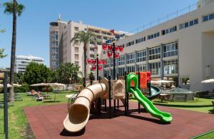 De kinderspeelruimte van Medplaya Hotel Pez Espada