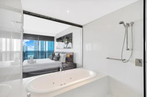 A bathroom at Circle on Cavill, Apartments and Sub Penthouses - We Accommodate