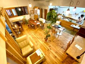 A restaurant or other place to eat at Guest House MARUYA
