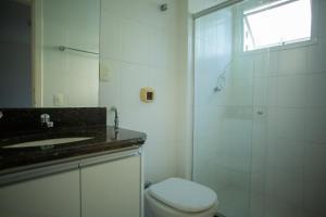 Um banheiro em Apartamento - Praia das Virtudes