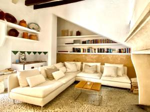 A seating area at Refugio Son Pons