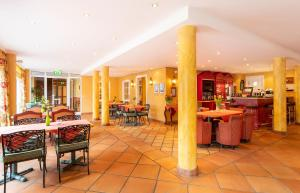 Strandhotel Syltにあるレストランまたは飲食店