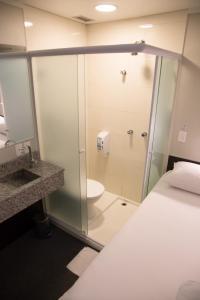 A bathroom at Hotel Aero Sleep Campinas