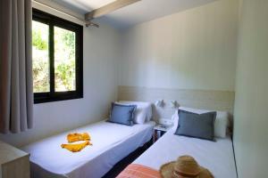 Cama o camas de una habitación en Tamarit Beach Resort