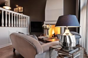 A television and/or entertainment center at Nimb Hotel