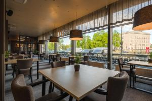 A restaurant or other place to eat at Liva Hotel