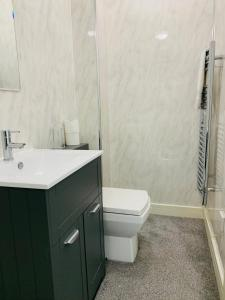 A bathroom at Elthorne Luxury Apartments - Uxbridge