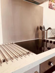 A kitchen or kitchenette at Elthorne Luxury Apartments - Uxbridge