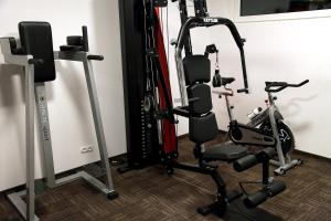 The fitness center and/or fitness facilities at Hotel Adria