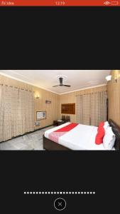 A bed or beds in a room at Peaceful villas
