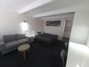 A seating area at Charles Sturt Motor Inn