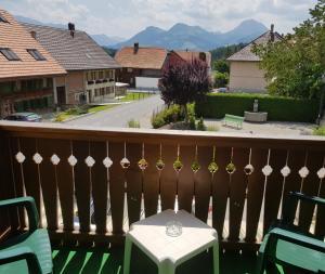 Balcon ou terrasse dans l'établissement Hôtel Restaurant le Gruyérien