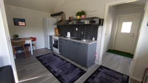 A kitchen or kitchenette at Fjellivet