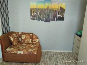 Гостиная зона в 1-комнатная квартира на Нижней Дуброве