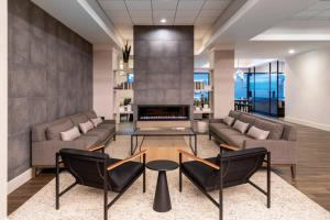 A seating area at DoubleTree by Hilton Denver Cherry Creek, CO