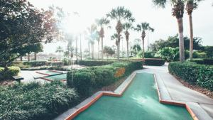 The swimming pool at or close to Holiday Inn Club Vacations At Orange Lake Resort