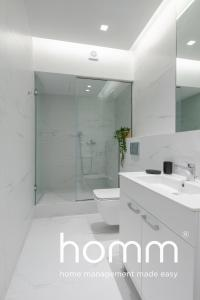 A bathroom at Stay homm® Miltiadou, Rooftop with Acropolis view