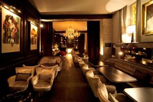 Salone o bar di DOM Hotel Roma - Preferred Hotels & Resorts