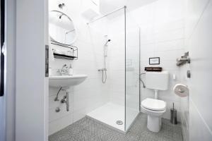 A bathroom at bed&breakfast Bohemian