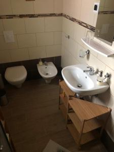 A bathroom at Holiday Home-kuća GORICA VERDE