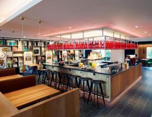 Een restaurant of ander eetgelegenheid bij citizenM Amstel Amsterdam