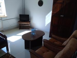 A seating area at Apartamenty,pokoje''Tulecka''