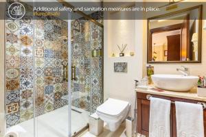 Ванная комната в Q Hotel & Suites Istanbul -Best Group Hotels