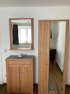 A bathroom at Pension Zur Alten Post