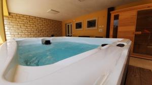 The swimming pool at or near Residence Del Tellaro