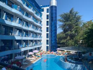 Der Swimmingpool an oder in der Nähe von Aphrodite Hotel