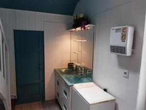 A bathroom at Gîte de la Plage