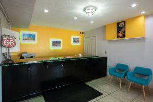 The lobby or reception area at Western Motel