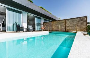 المسبح في Cape Bodrum Beach Resort أو بالجوار