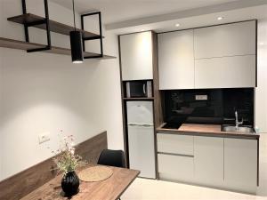 Kuhinja ili čajna kuhinja u objektu Villa Fani - Apartments in Trogir