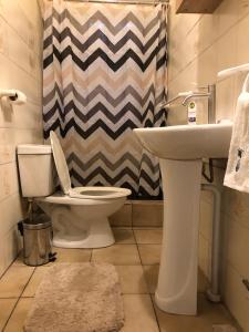 Um banheiro em Central Apartment for a tropical wellness retreat - APT 2