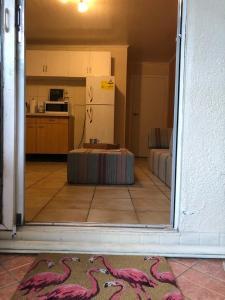 A cozinha ou cozinha compacta de Central Apartment for a tropical wellness retreat - APT 2